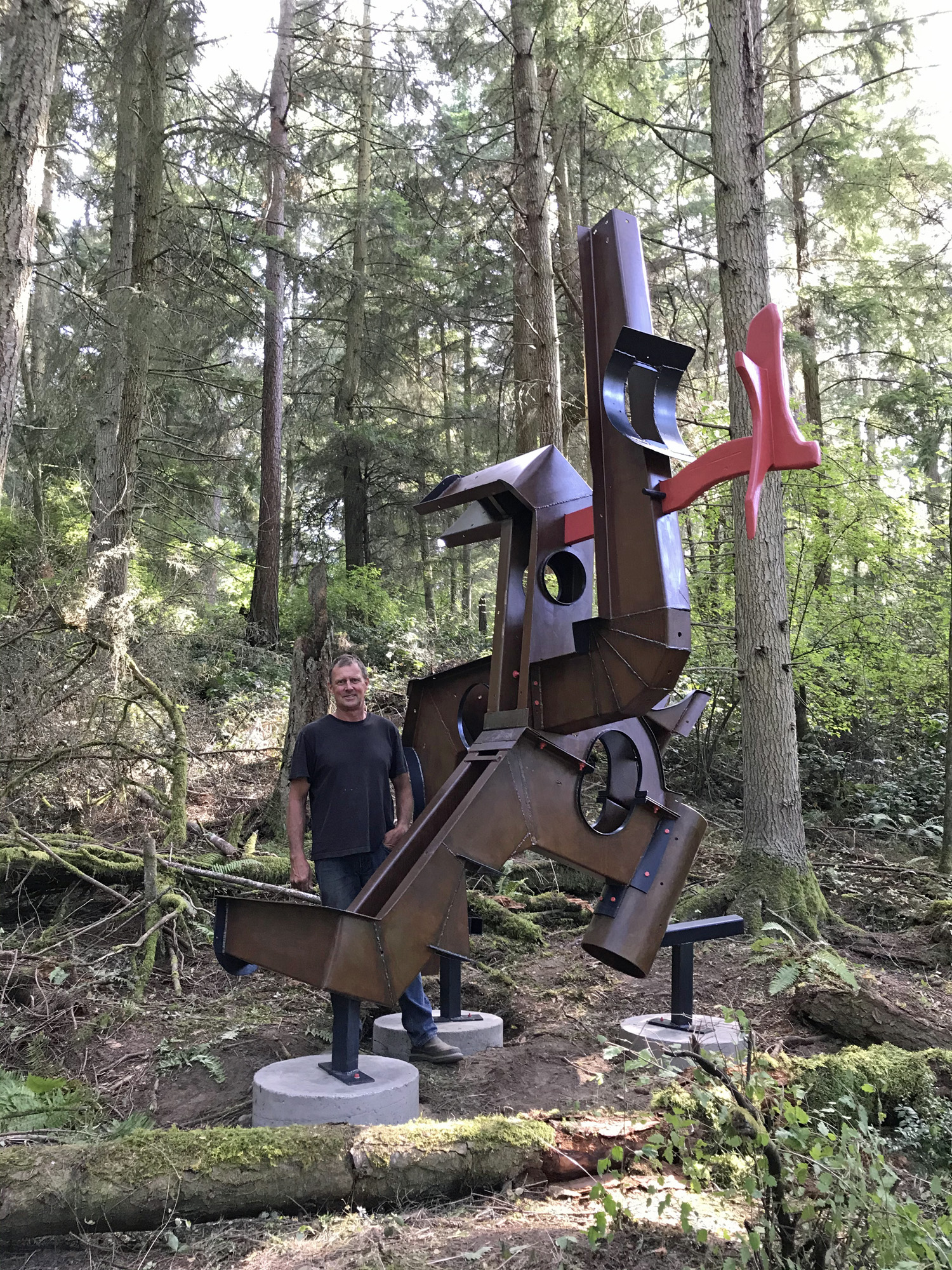 Sculptor MacRae Wylde with Stevo's Dream The Ultimate Flying Machine at Price Sculpture Forest